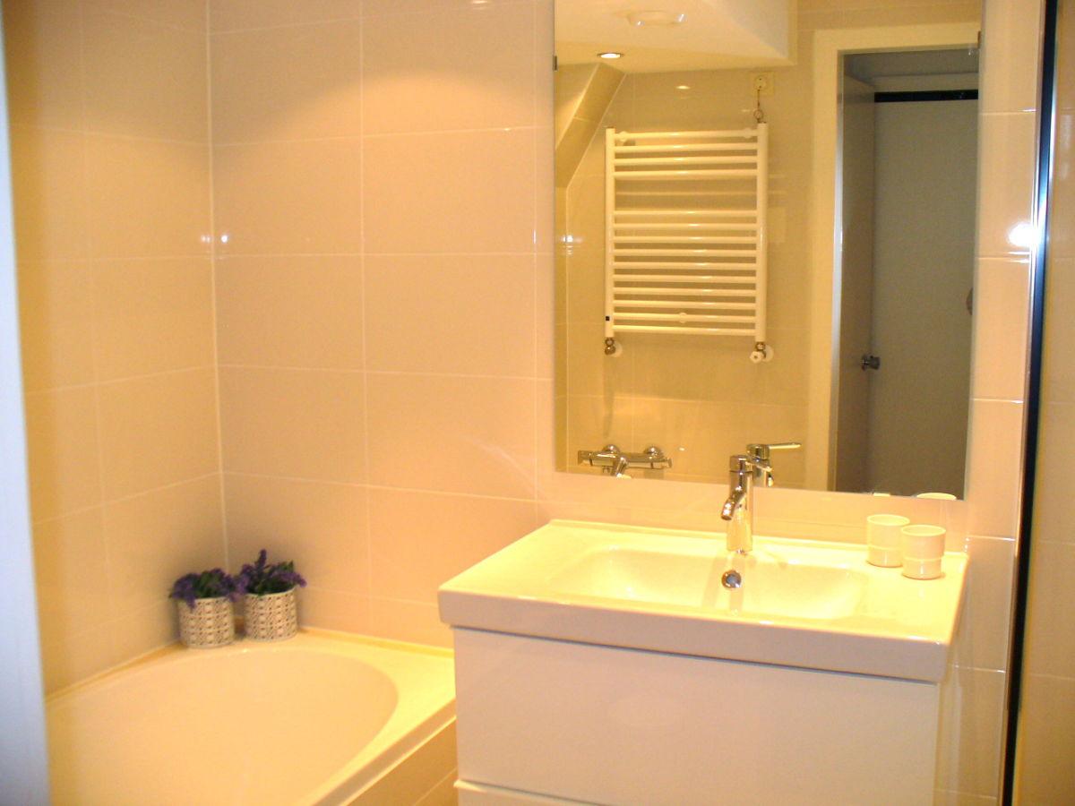 ferienwohnung victoria 1 nord holland egmond aan zee. Black Bedroom Furniture Sets. Home Design Ideas