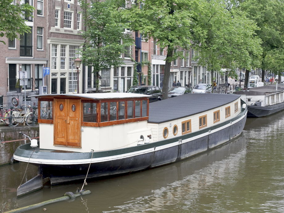 hausboot prinz arthur nord holland amsterdam herr adriana. Black Bedroom Furniture Sets. Home Design Ideas