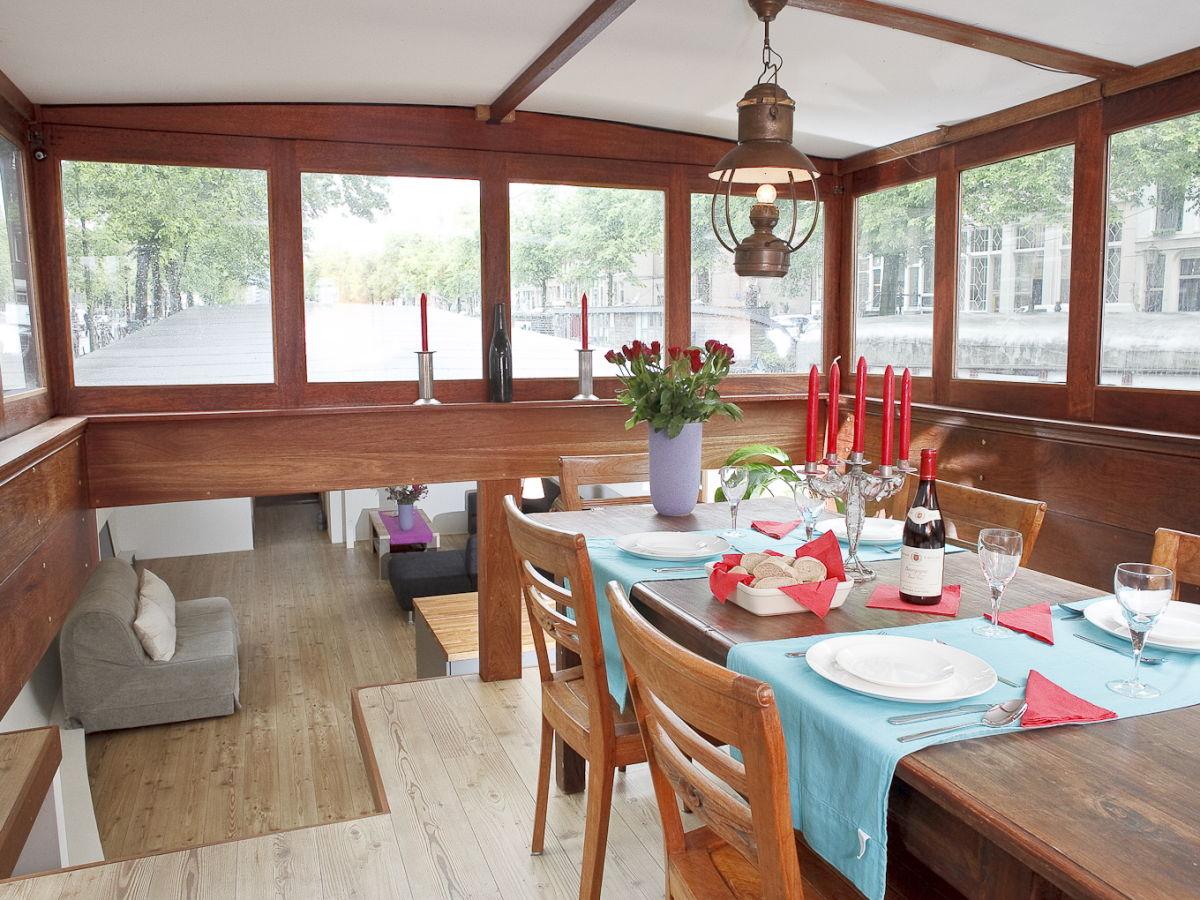 Blick Von Der Rückseite Des Hausboot Auf Dem Esszimmer