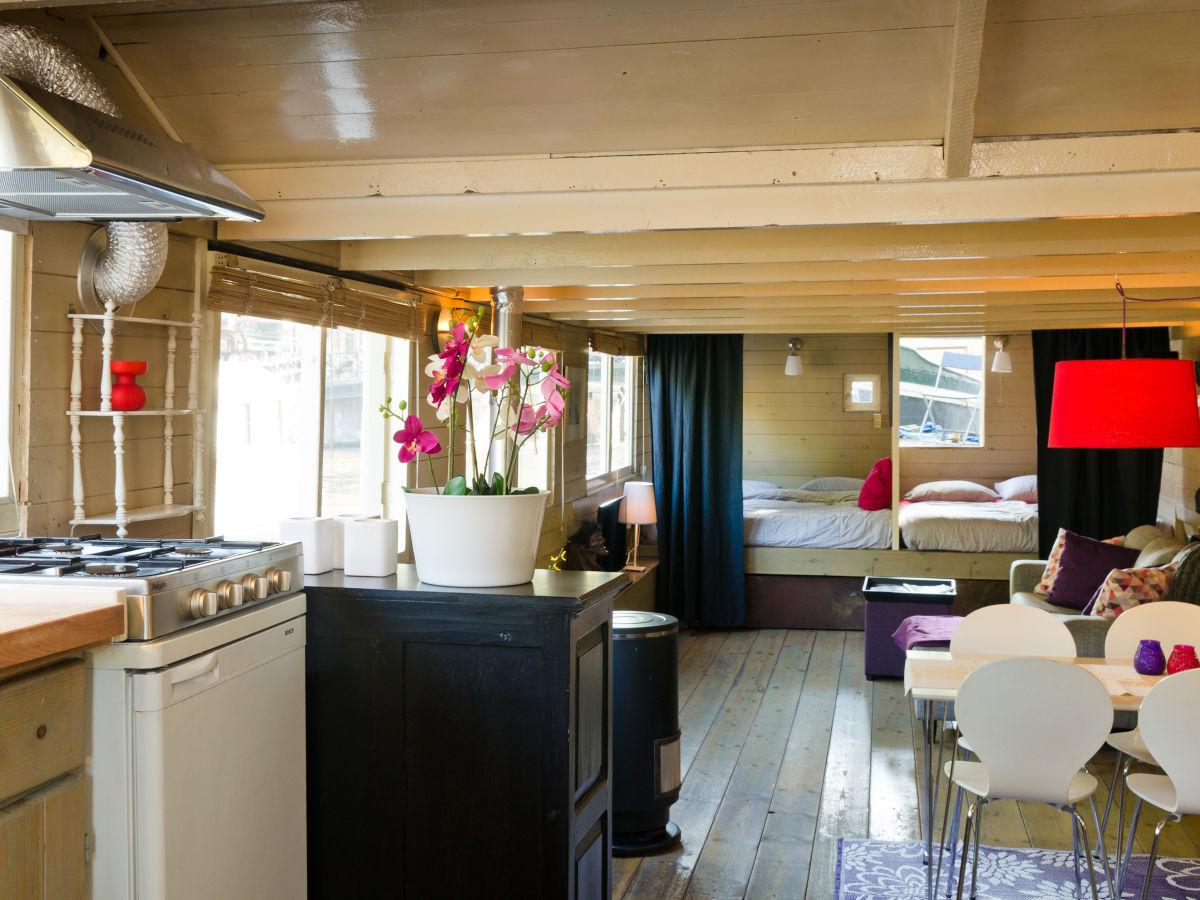 hausboot prinz avalon nord holland amsterdam herr jelle. Black Bedroom Furniture Sets. Home Design Ideas