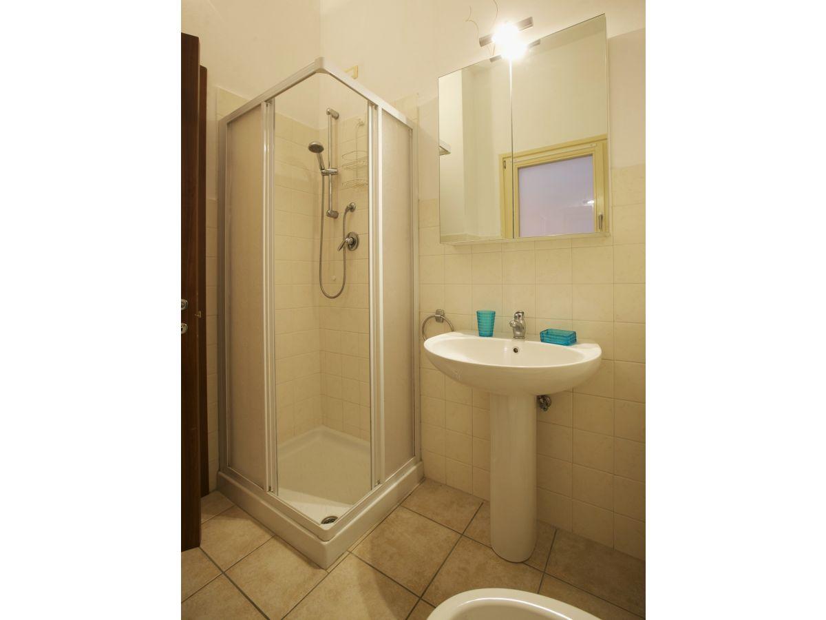 ferienwohnung villa anna nr 24 lago maggiore firma. Black Bedroom Furniture Sets. Home Design Ideas