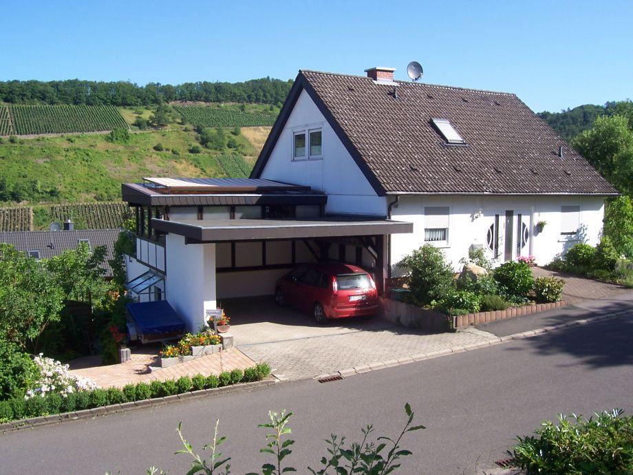 Haus mit Autostellplatz