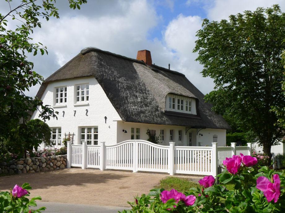 Haus Sommertraum mit der großzügigen Einfahrt