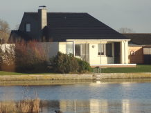 "Ferienhaus ""Premium-Ferienhaus Eul A9 am See"""