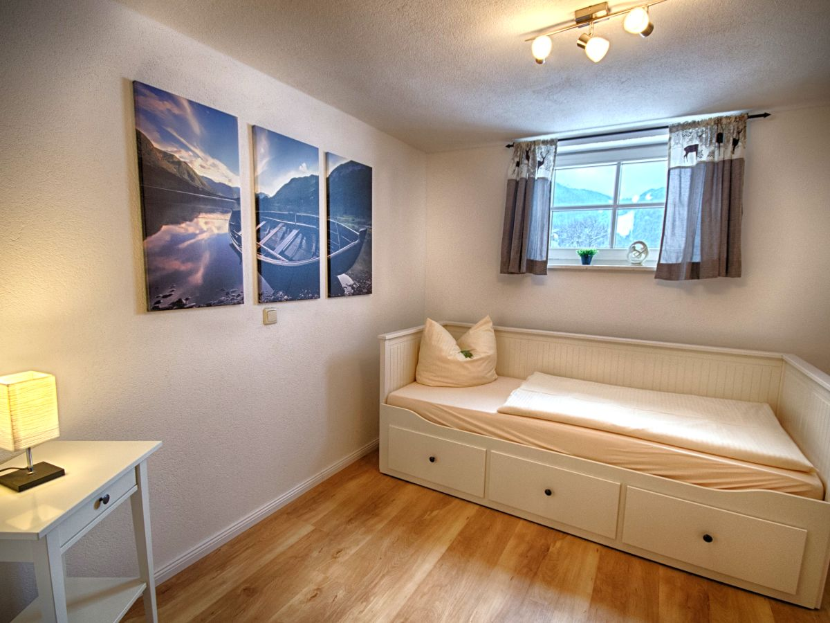 ferienwohnung fux apartment b ammergauer alpen familie. Black Bedroom Furniture Sets. Home Design Ideas