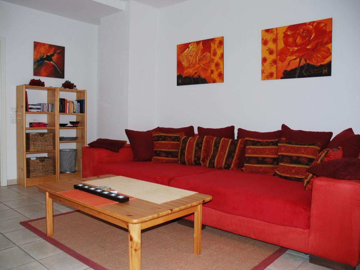 4 sterne ferienwohnung rot f r verliebte familie weltmann in binz ostseebad binz insel r gen. Black Bedroom Furniture Sets. Home Design Ideas