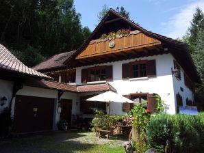 """Ferienwohnung 2 im Forsthaus """"In der hohen Eich"""""""