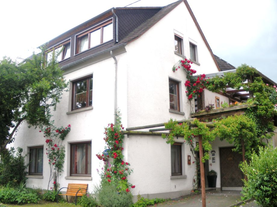 The front with roses and wildwine