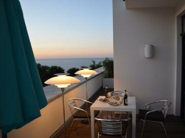 Ferienwohnung NEU! 5 Sterne Luxusapartment Sellin Am Strand, direkter Meerblick, 115 qm