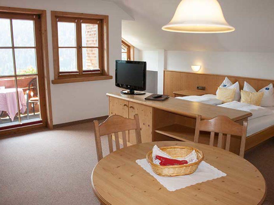 ferienwohnung 2 im landhaus bilgeri allg u frau. Black Bedroom Furniture Sets. Home Design Ideas