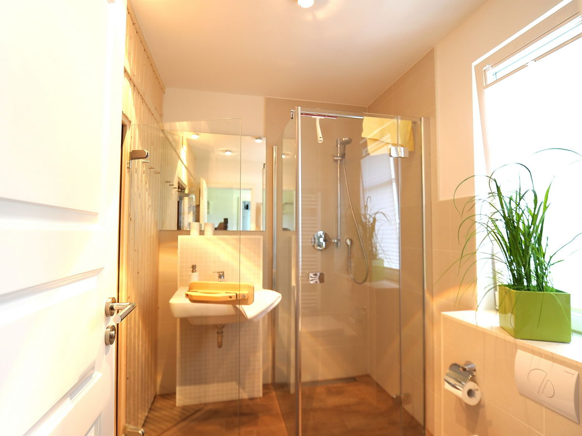 ferienhaus godehus 6 fischland dar ostseeheilbad zingst firma iss immobilien service. Black Bedroom Furniture Sets. Home Design Ideas