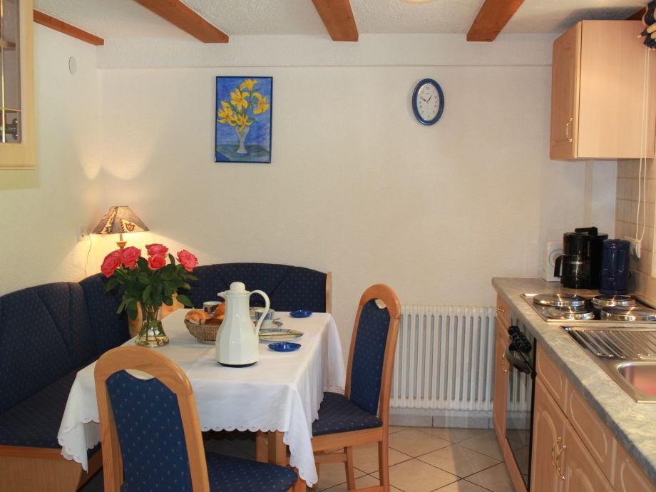 Küche mit Essecke Wohnung Talblick