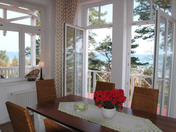 ferienwohnung nr 7 in der villa aegir mit meerblick ostseebad binz auf der insel r gen firma. Black Bedroom Furniture Sets. Home Design Ideas