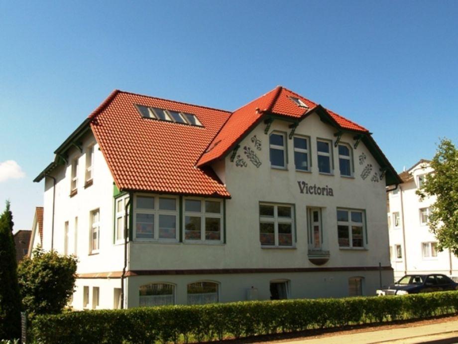 """Außenaufnahme PO22-6 in der """"Villa Victoria"""""""