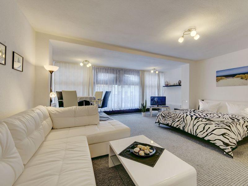 ferienwohnung haus in warnem nde mieten ostsee urlaub. Black Bedroom Furniture Sets. Home Design Ideas