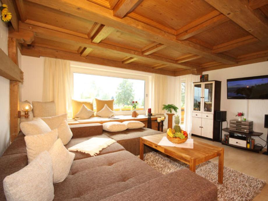 Wohnzimmer mit Bergblick