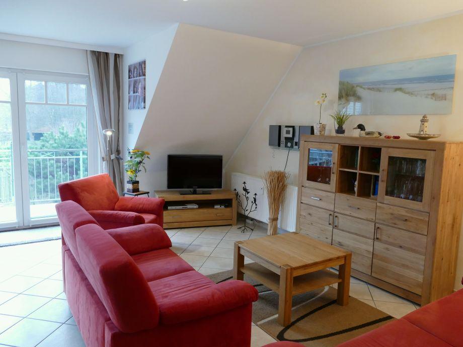 Haiderose Wohnbereich mit TV und Blick ins Grüne
