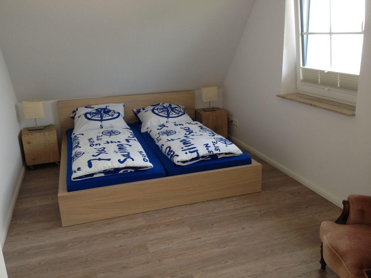 ferienhaus neu reetdachhaus am strand r gen lietzow. Black Bedroom Furniture Sets. Home Design Ideas