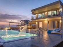 Delfini Lounge Villa