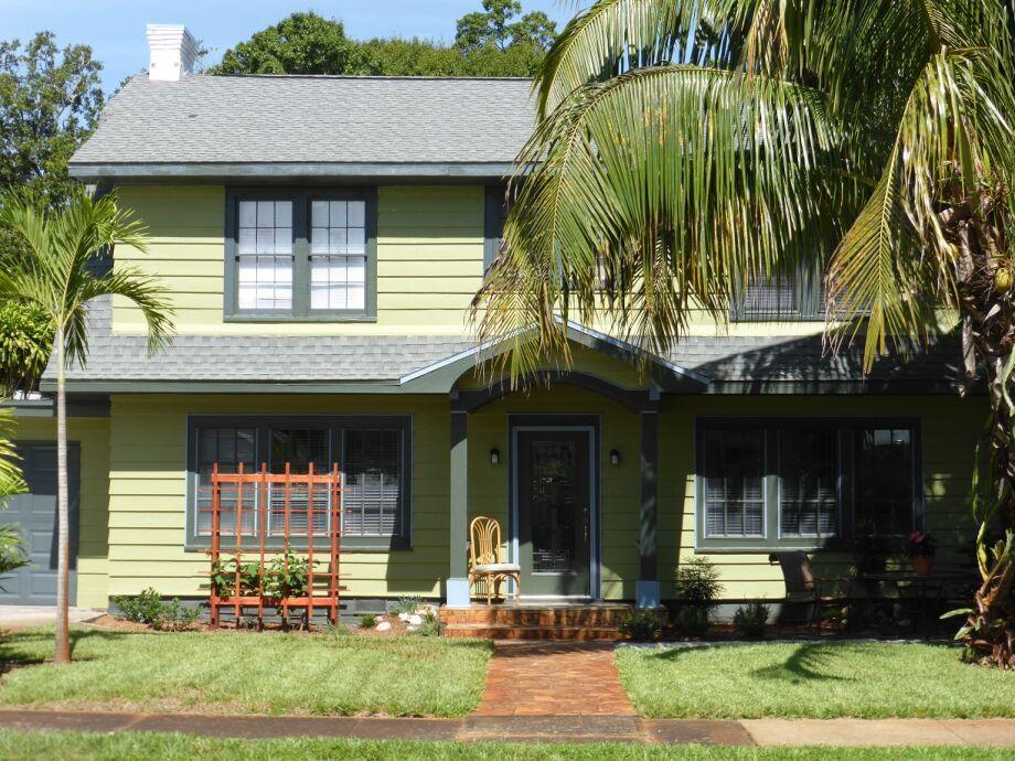Villa Green Palm