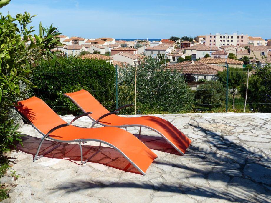Terrasse mit Aussicht bis zum Meer