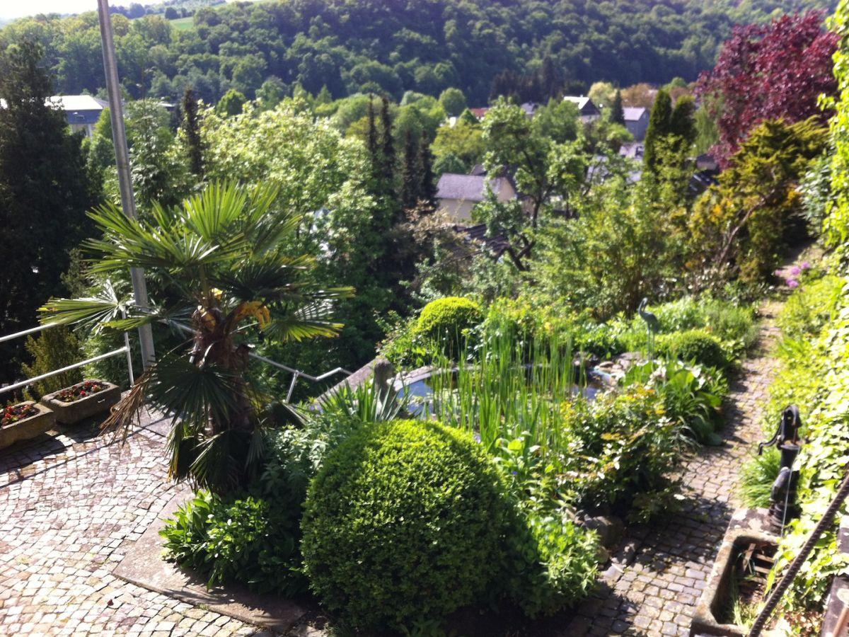 Ferienwohnung doegen lahn diez frau renate doegen for Gartenanlage mit teich