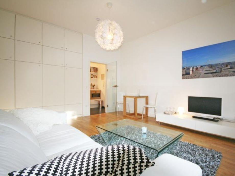 Ferienwohnung Beach Timmendorfer Strand - Wohn- Schlafzimmer
