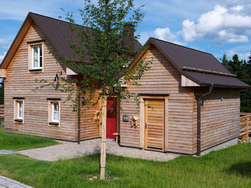 """Ferienhaus Typ """"Hirsch"""" mit Sauna & Kamin"""