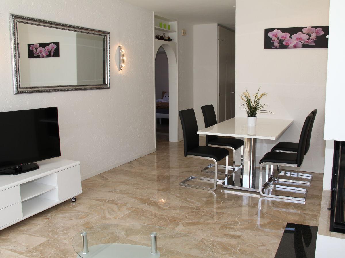 ferienwohnung condominio vorame lago maggiore locarno. Black Bedroom Furniture Sets. Home Design Ideas