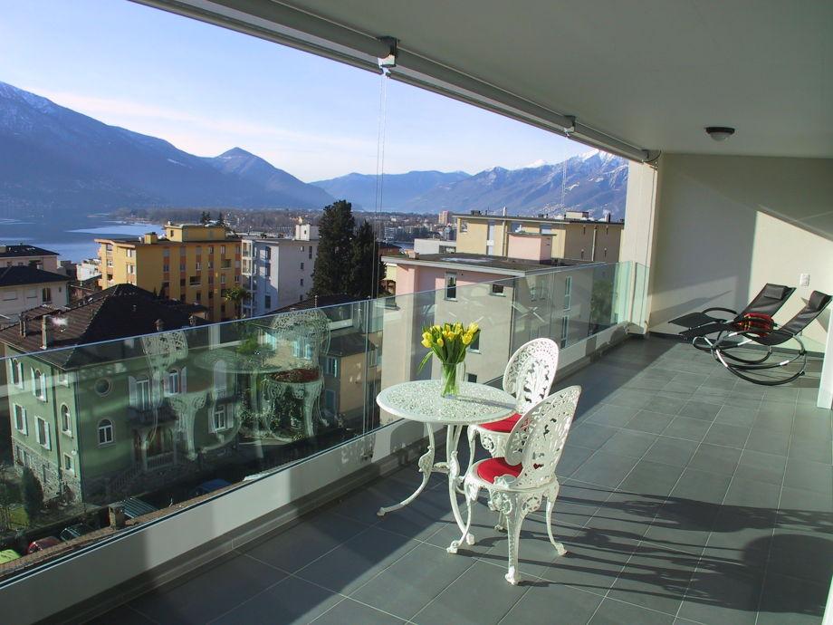 Großzügiger Balkon mit toller Aussicht!