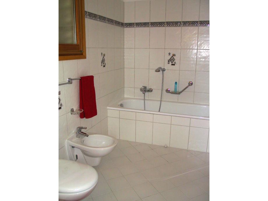 ferienhaus casa luna lago maggiore locarno firma holap. Black Bedroom Furniture Sets. Home Design Ideas