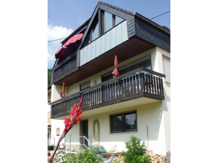 Die Wohnung verfügt über 2 Balkone