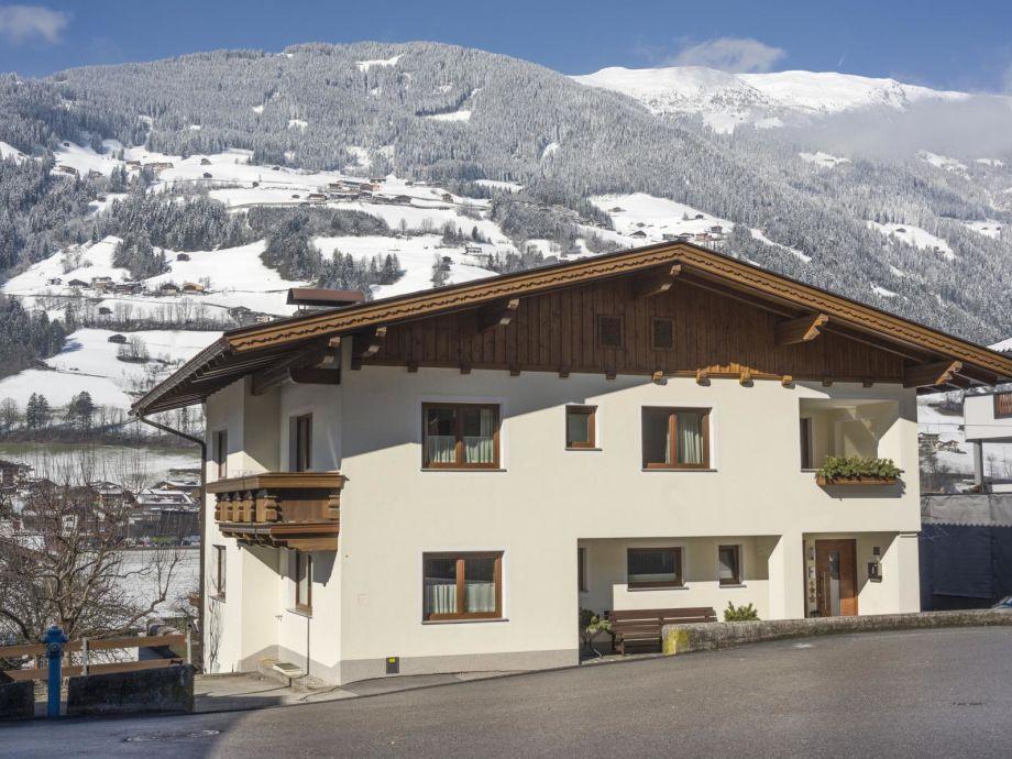 Haus Aschenwald im Winter