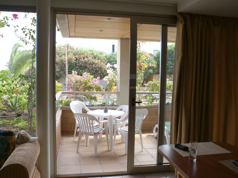 Terrasse aus dem Wohnzimmer