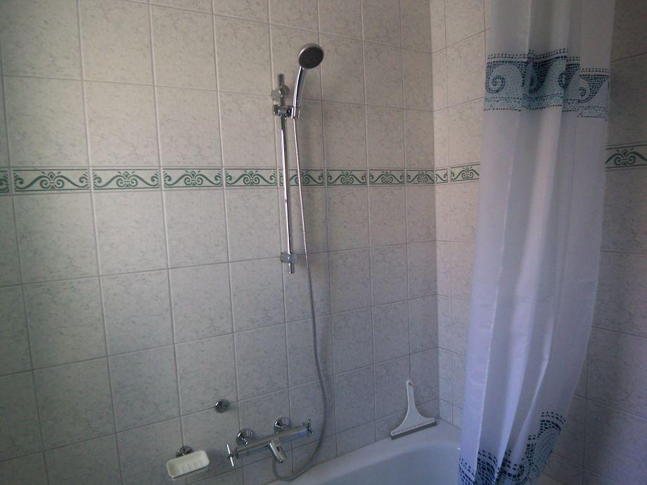 badewanne mit integrierter dusche preis 14 ferienhaus. Black Bedroom Furniture Sets. Home Design Ideas