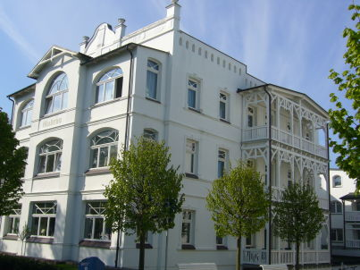 Meerblick-Appartement in Bäderstil-Villa in Binz