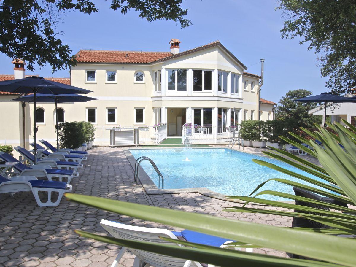 G stezimmer villa mala istrien kroatien firma villa for Kroatien villa mit pool