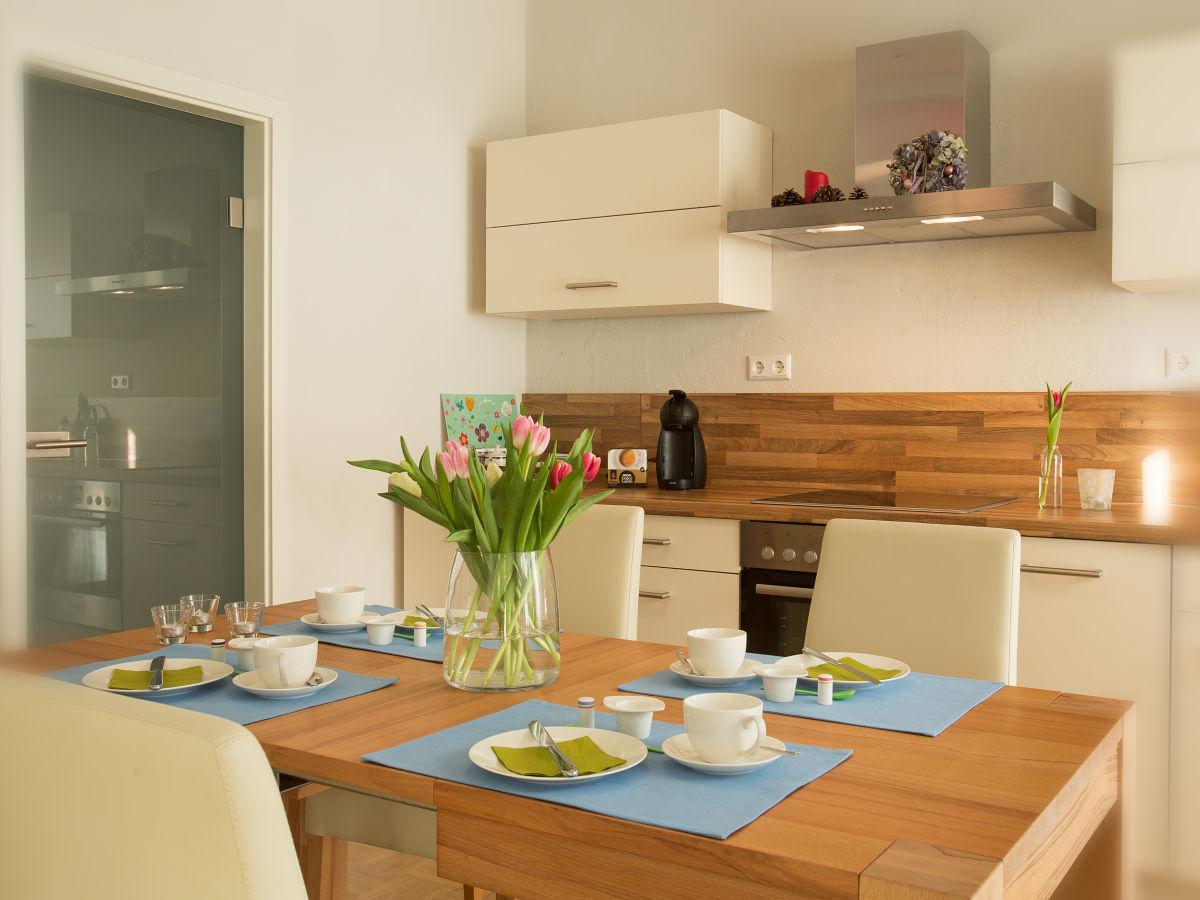 ferienwohnung gartenhaus auguste sachsen dresden neustadt frau martina schmidt. Black Bedroom Furniture Sets. Home Design Ideas