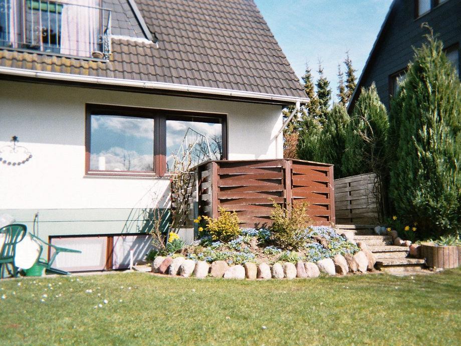 Vom Garten mit Terrasse