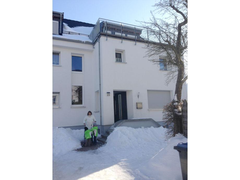 Eingangsbereich Haus im Winter