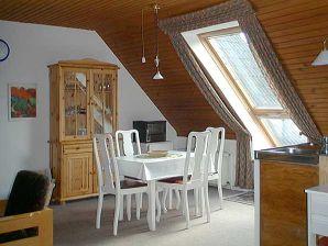 """Ferienwohnung """"Atelier"""" im """"weißen Haus Varwig"""""""