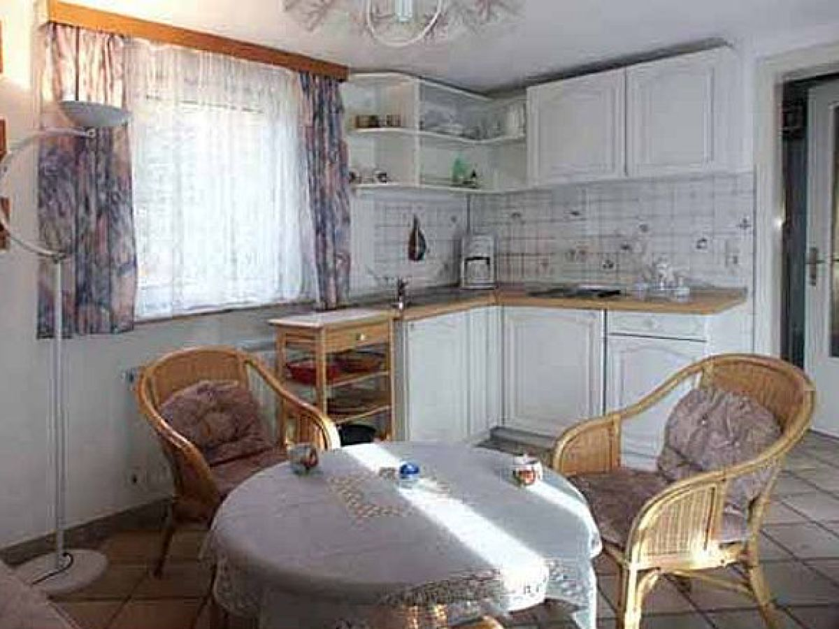 ferienwohnung s d west wohnung mit wintergarten insel amrum nordfriesland familie gudrun und. Black Bedroom Furniture Sets. Home Design Ideas