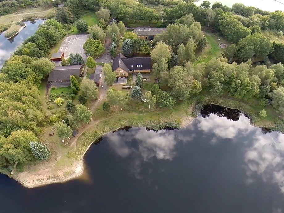 Luftaufnahme vom Grundstück