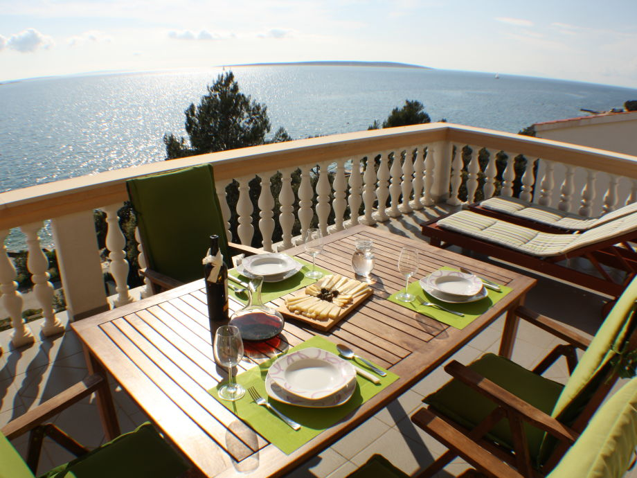 Enjoy your lunch with the view of the sea