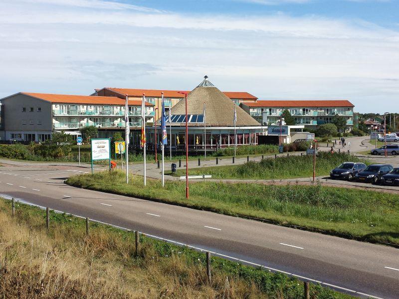 Holiday apartment Julianadorp Strandslag Sea