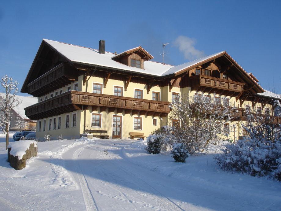 Winteransicht des Hauses