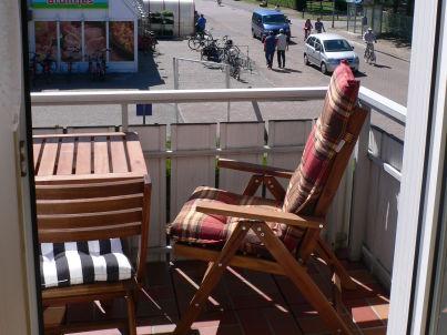 Balkon-Fewo mit Parkplatz-Nr. 8 im Haus Norderoog