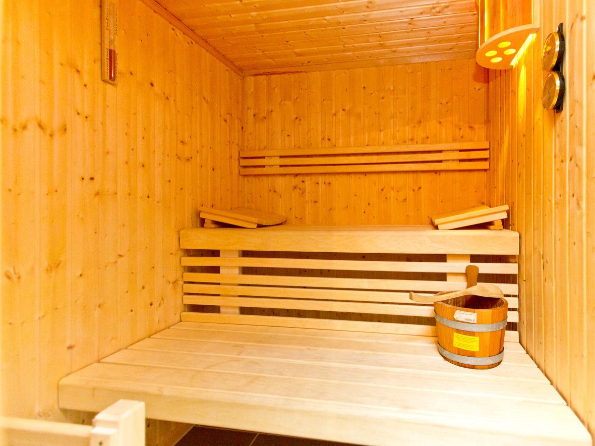 Relax Finnische Blockhaus Sauna Studio Markunpoika: Ausergewohnliche