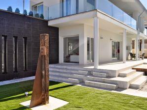 Moderne Villa Toni