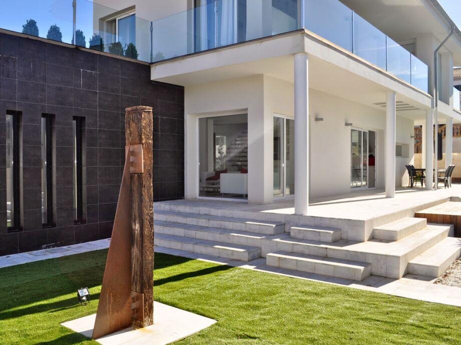 Außenaufnahme Moderne Villa Toni